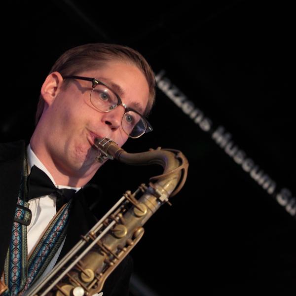 Fredrik Lindborg - tenorsax - IMG_9840